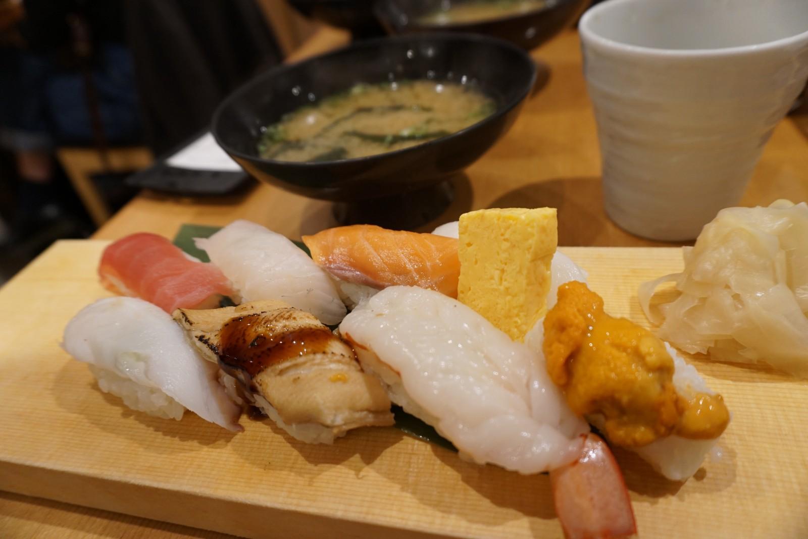 Sushi at Harenohi Shokudo, Tsukiji Fish Market