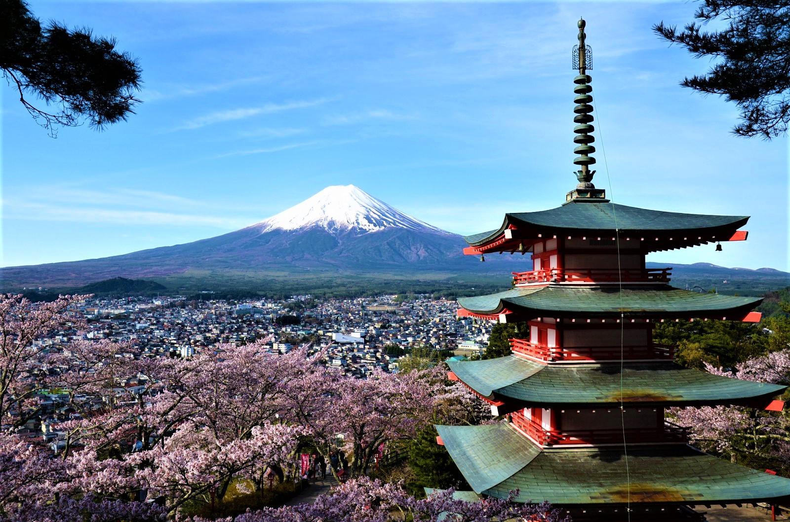 Chureito Pagoda with Mt.Fuji