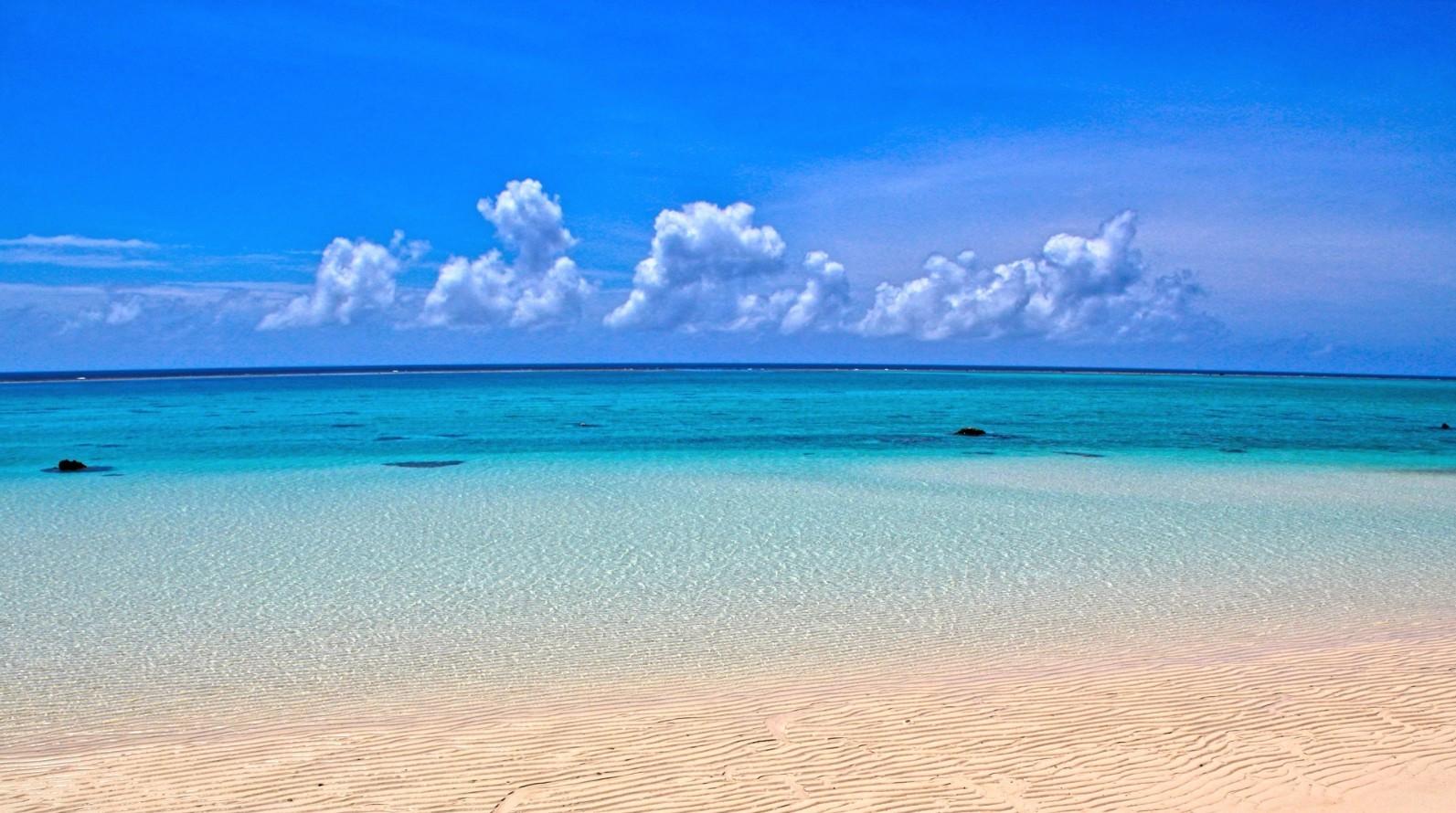 The beautiful Okinawa beach