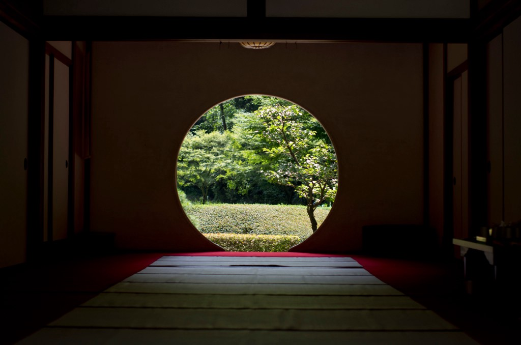 Breathtaking view of the circle window at Meigetsuin Temple in Kamakura