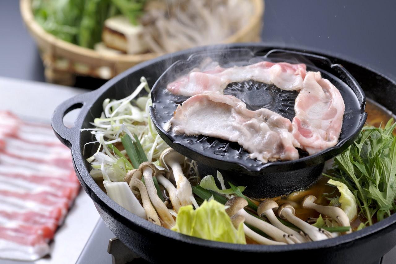NABEZO: Shabu-Shabu/Sukiyaki All-You-Can-Eat in Shinjuku, Tokyo