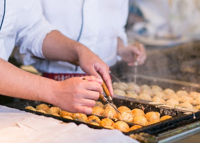 Takoyaki, the famous street food from Osaka