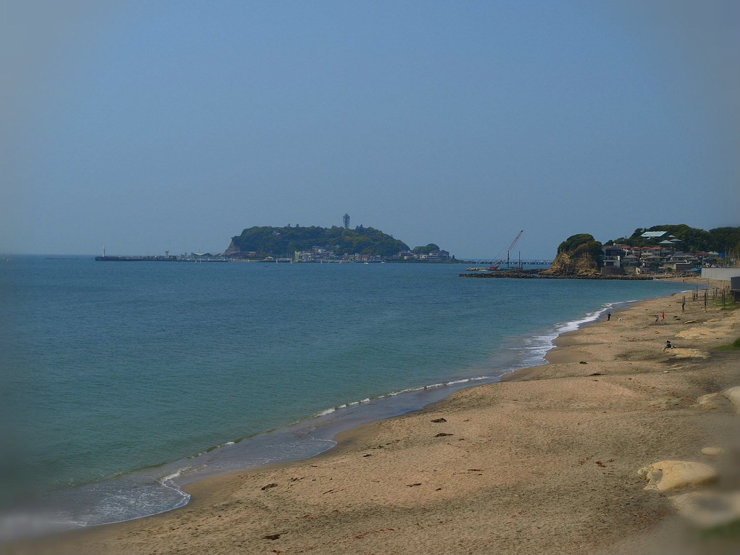 Yuigahama Beach with the beautiful view of Enoshima Island