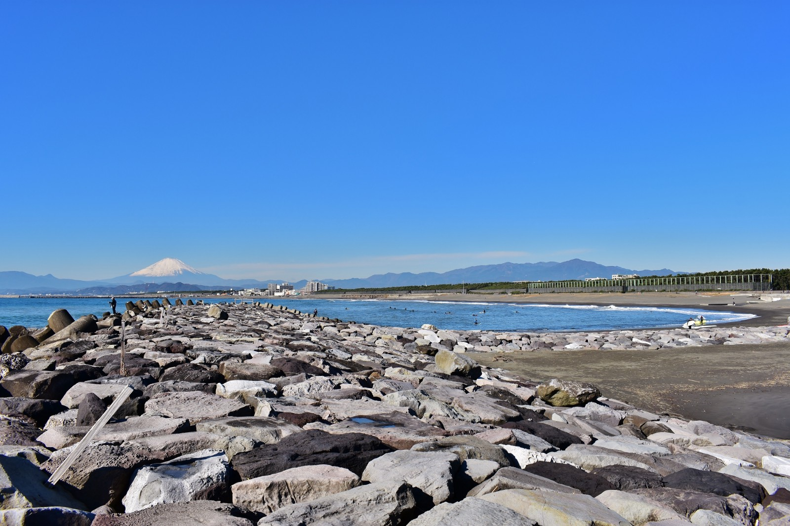 Chigasaki Southern Beach offering the scenic view of Mt Fuji