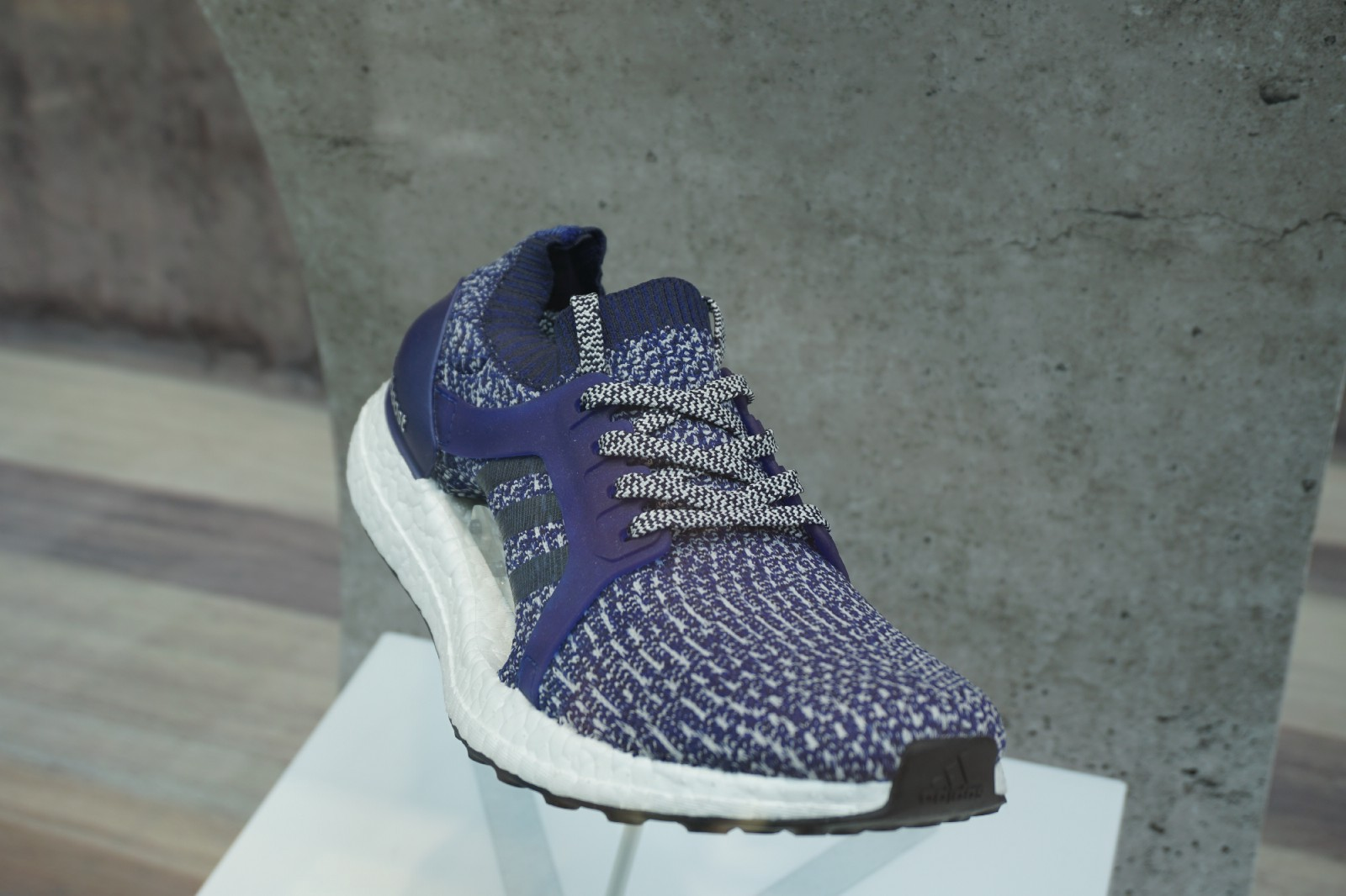 5bcda5de3 Sneakers of adidas are popular all over the world thanks to the  functionality for sports. Additionally, the form and design are also loved,  ...