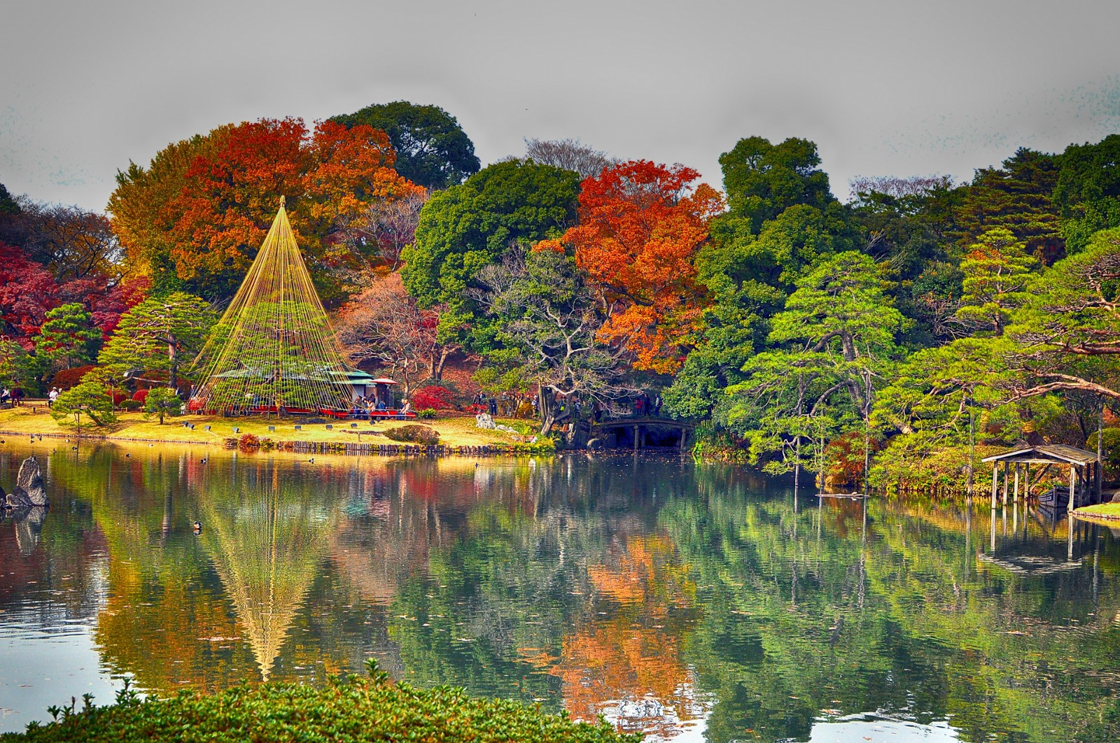 Picturesque Japanese garden: Rikugien Garden