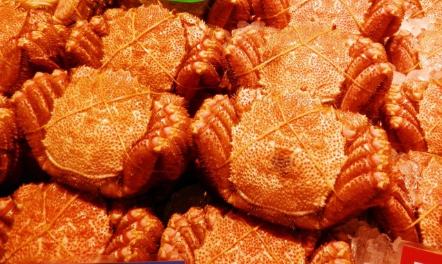 Hairy crabs sold in Hokkaido