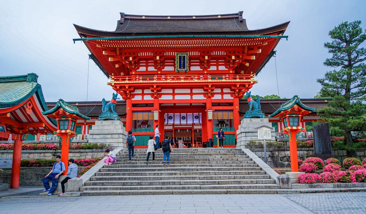 Najczęściej odwiedzane sanktuarium w Kioto, Fushimi Inari Taisha