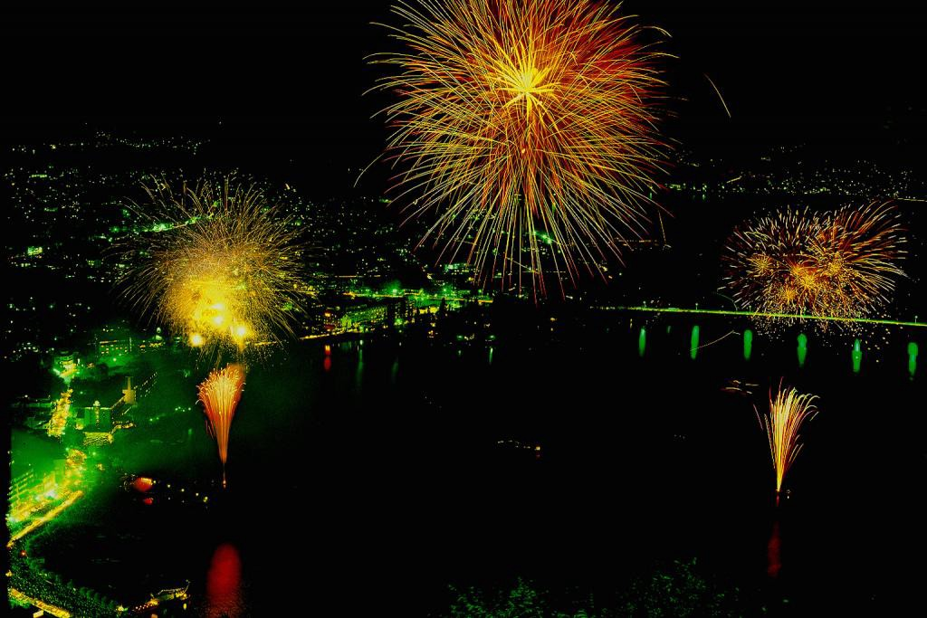 Fuji Five Lakes Fireworks Festivals 2021