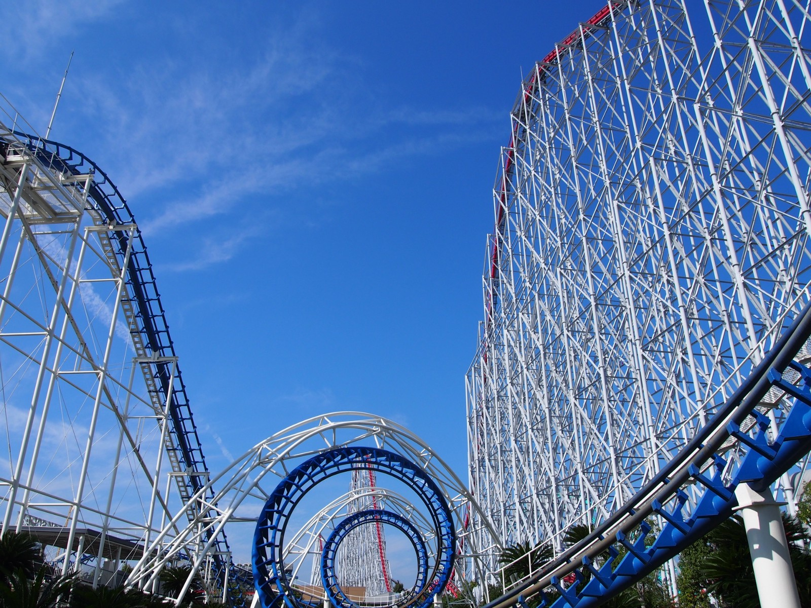 The monster roller coaster at Nagashima Spaland