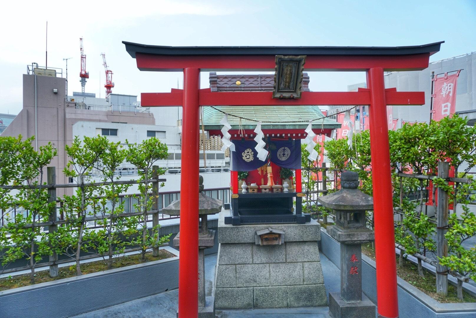 Asahiinari Shrine(朝日稲荷神社)