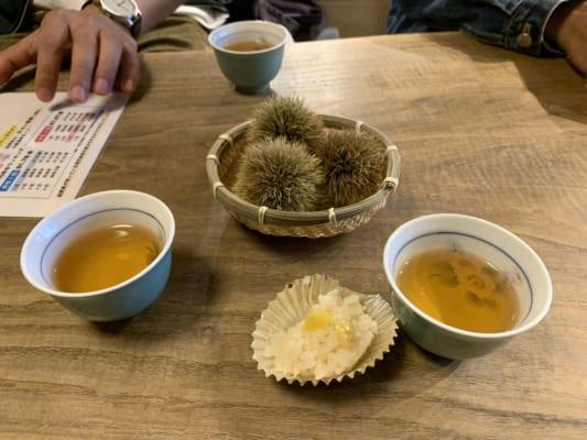 Chestnut rice and tea