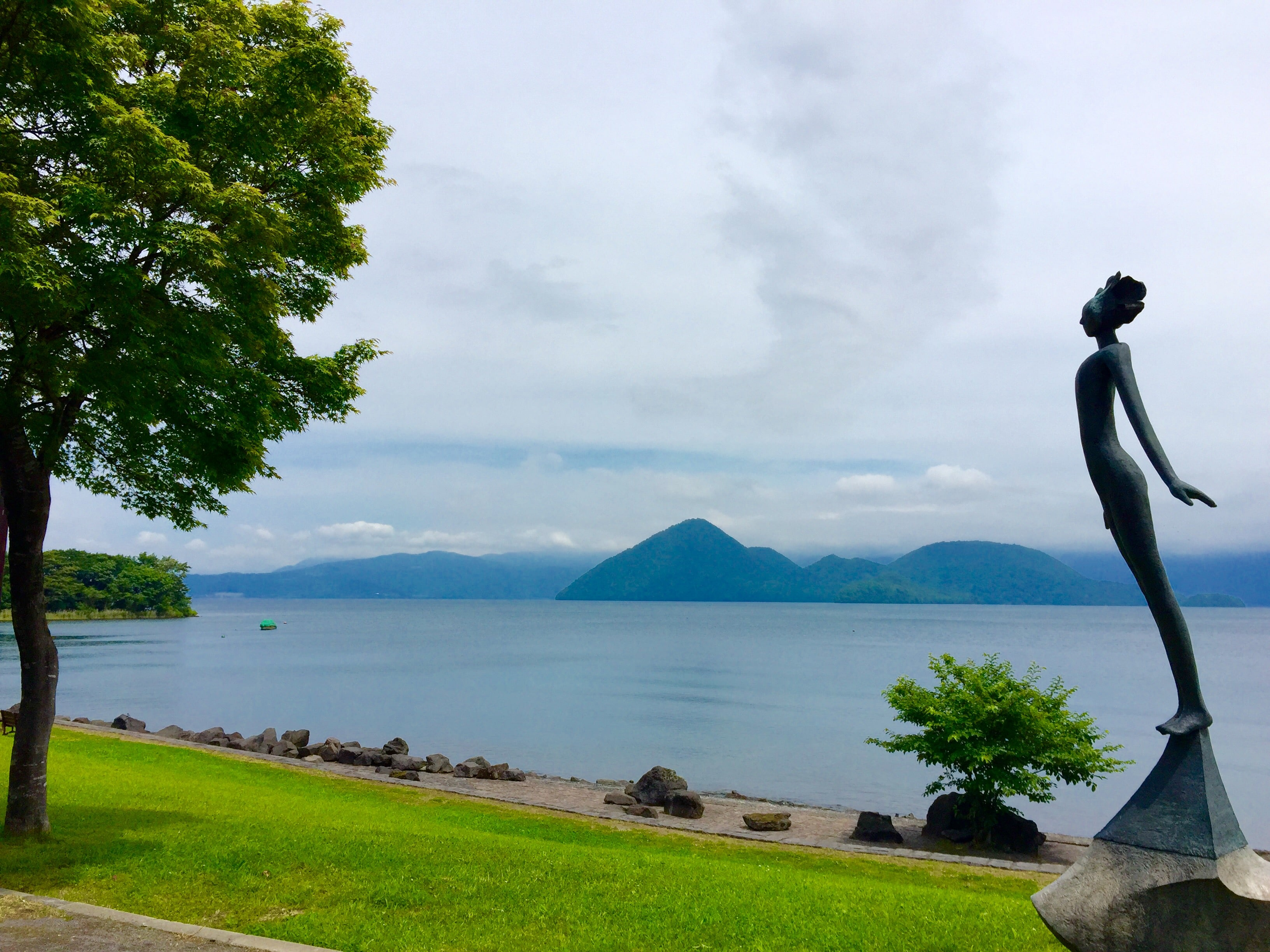 sculpture at lake toya