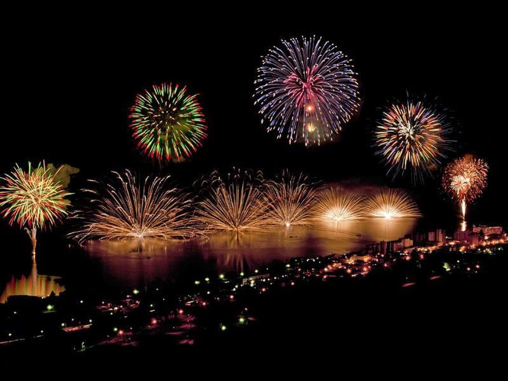 Lake Toya fire works