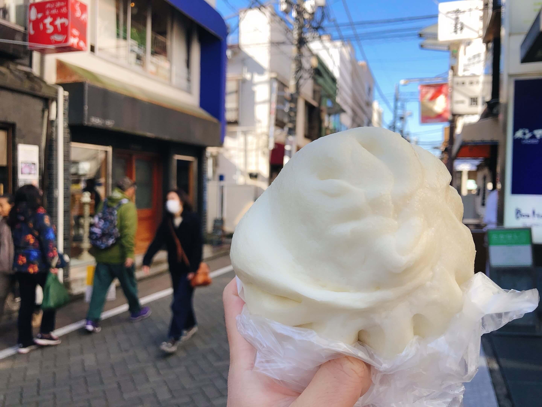 A steamed pork bun sold on the Nakamichi DoriAvenue in Kichijoji