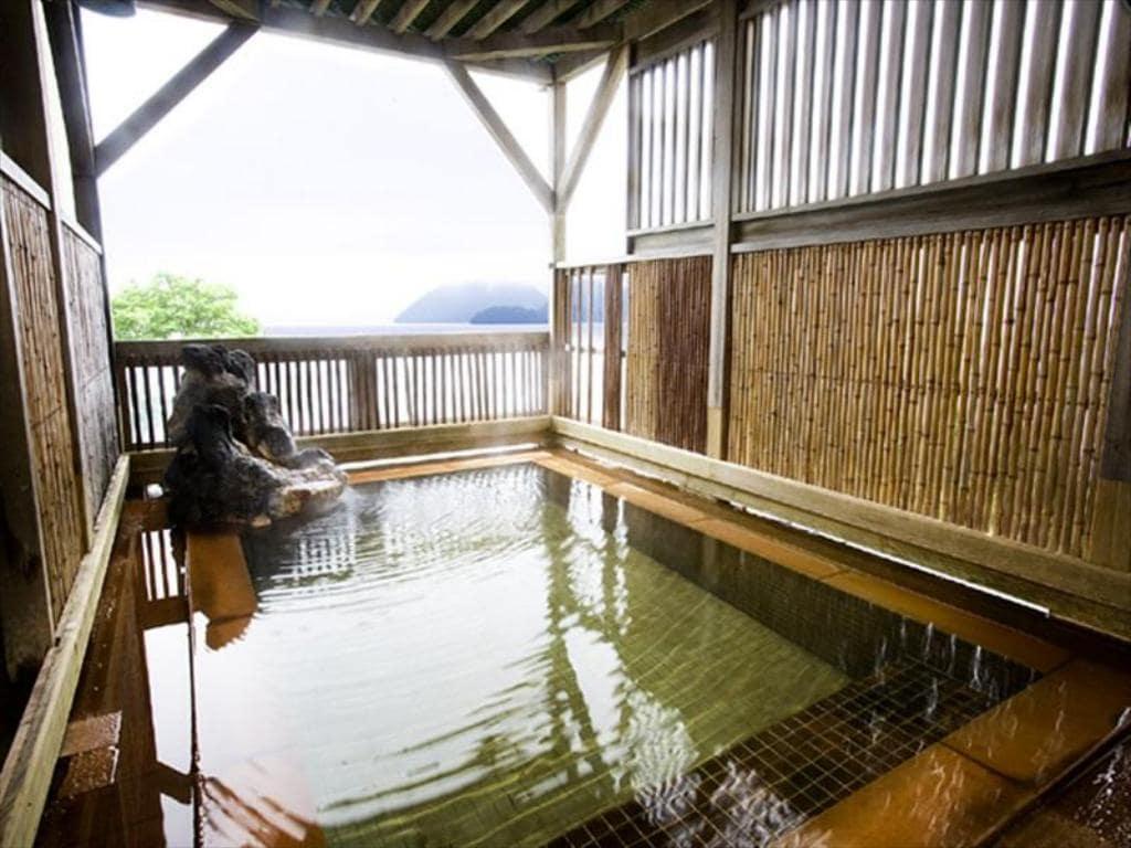 toya kanko hotel outdoor onsen