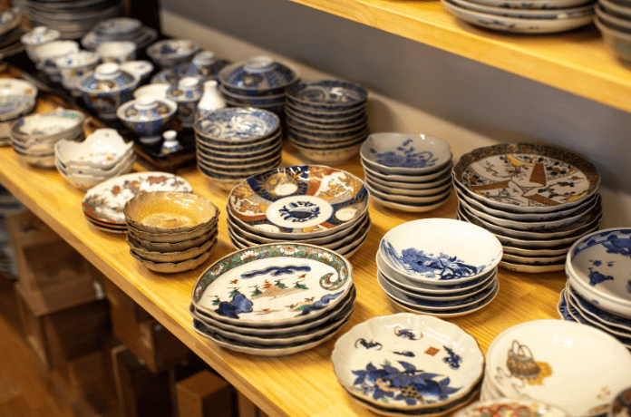 Different types of Arita porcelain, including those in the Kakiemon style