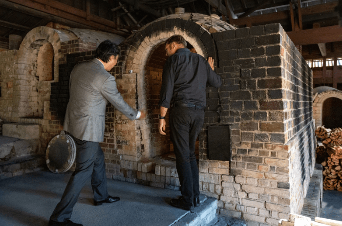 Discover the Secrets of Arita's Historical Kakiemon Kiln