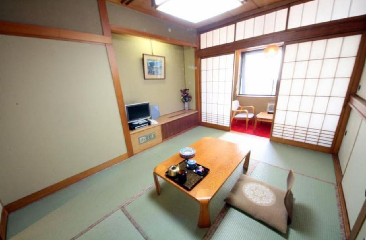 Pemandangan kamar Kaneyoshi Ryokan