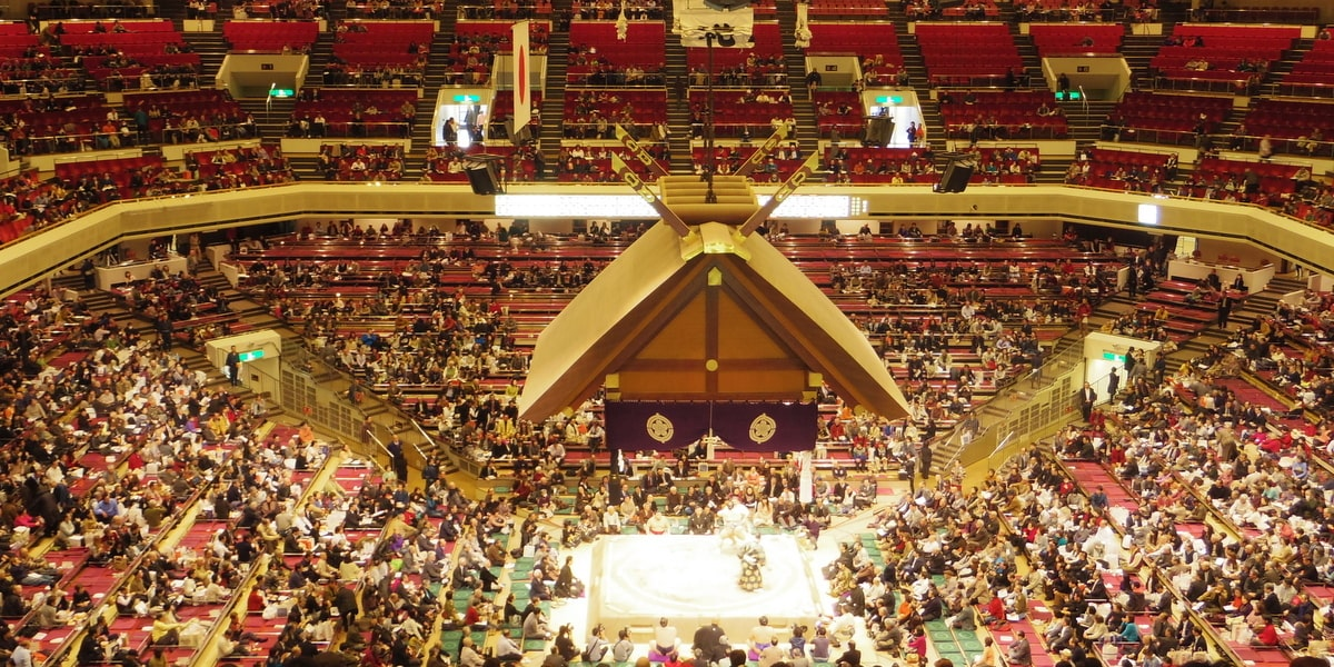 How to Watch Sumo in Japan