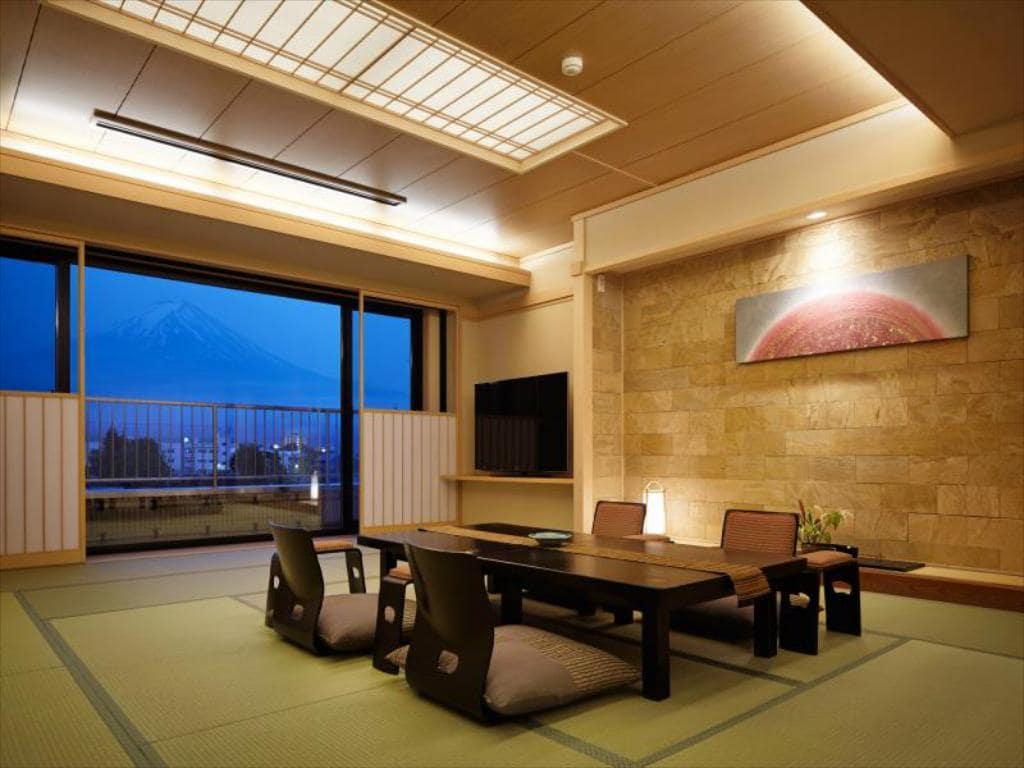 Fuji Kawaguchiko Onsen Konansou room view