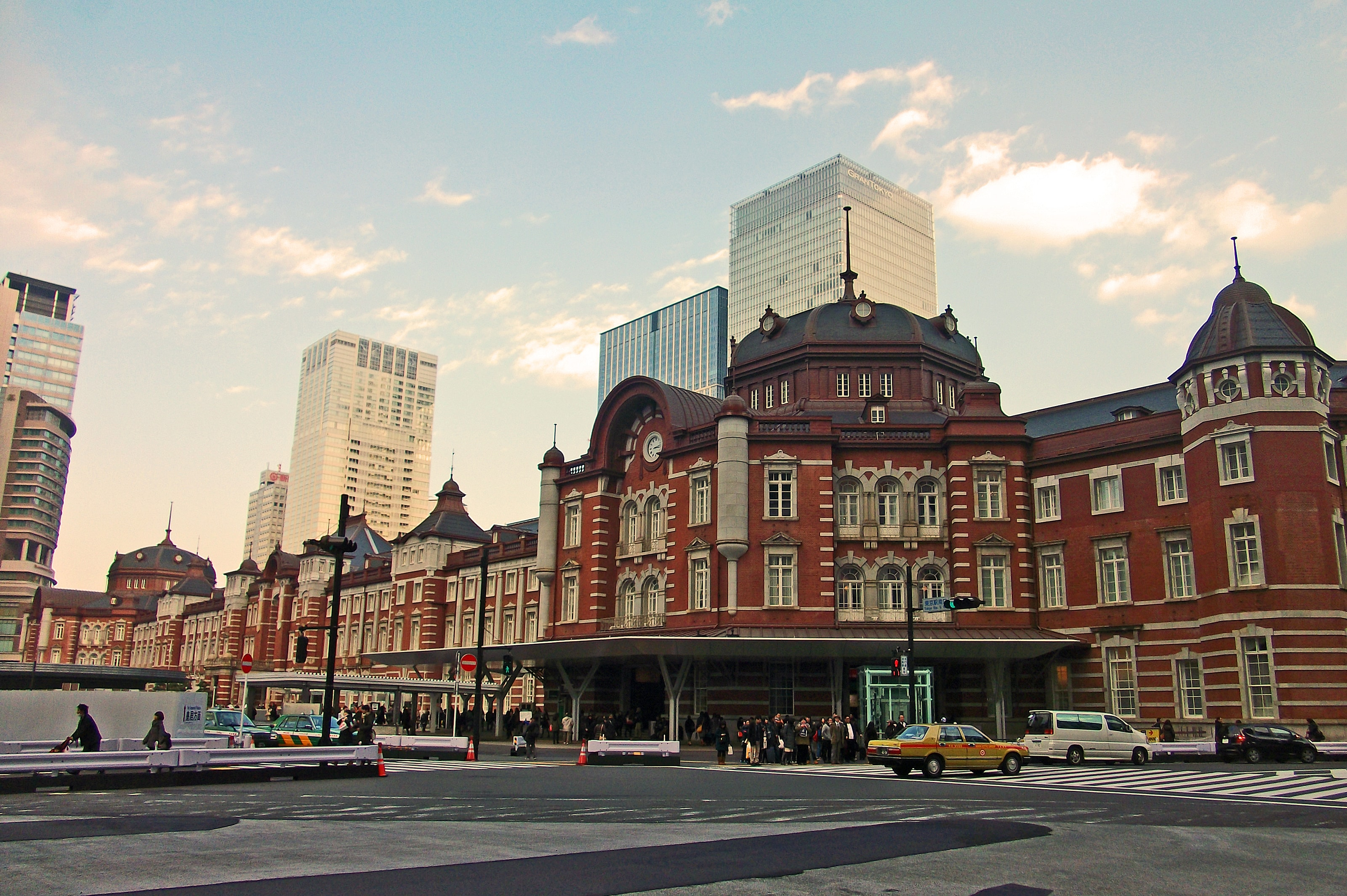 Tokyo Station from outside